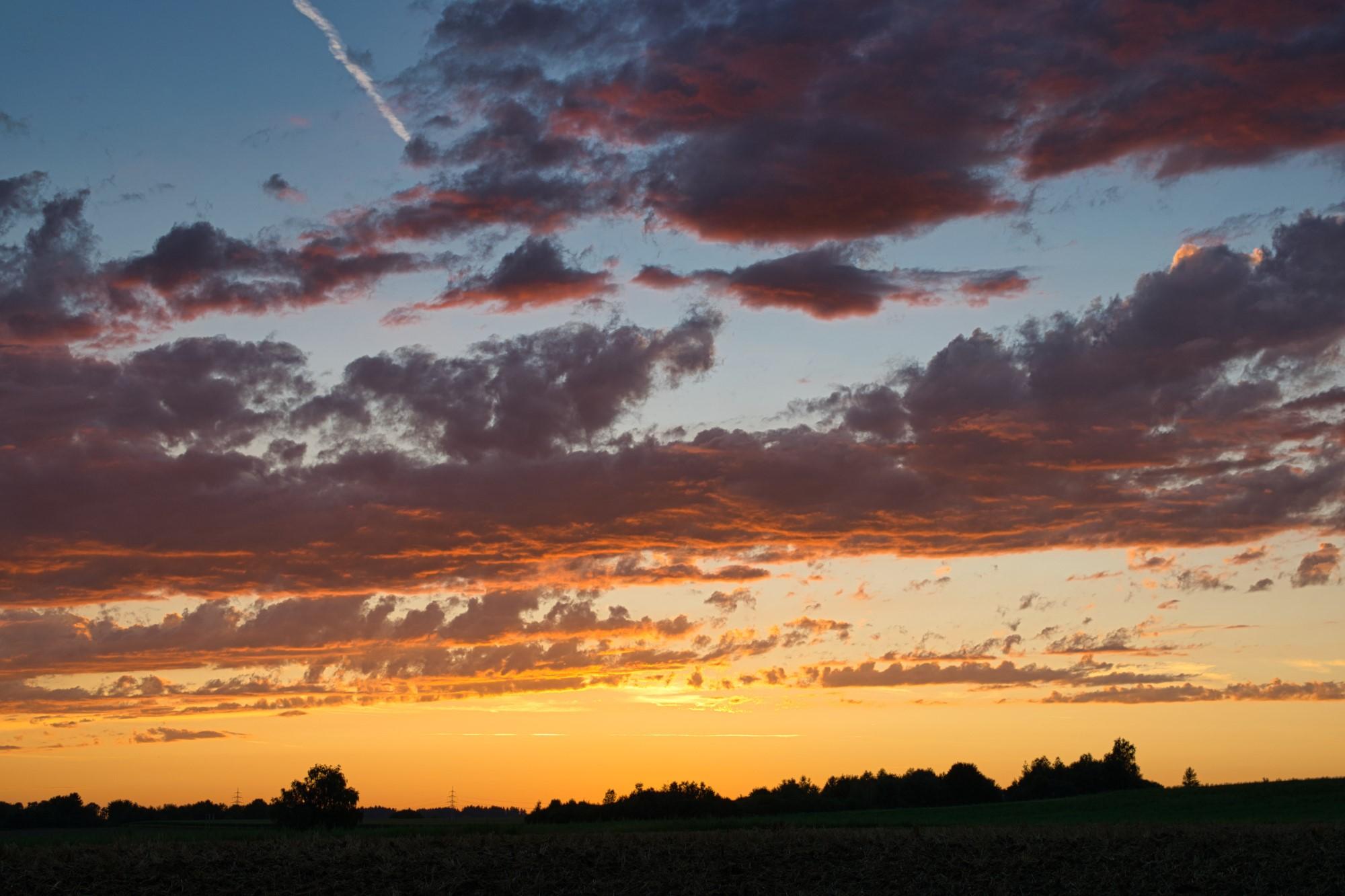 Sonnenuntergang am Ortsrand von Hebertshausen