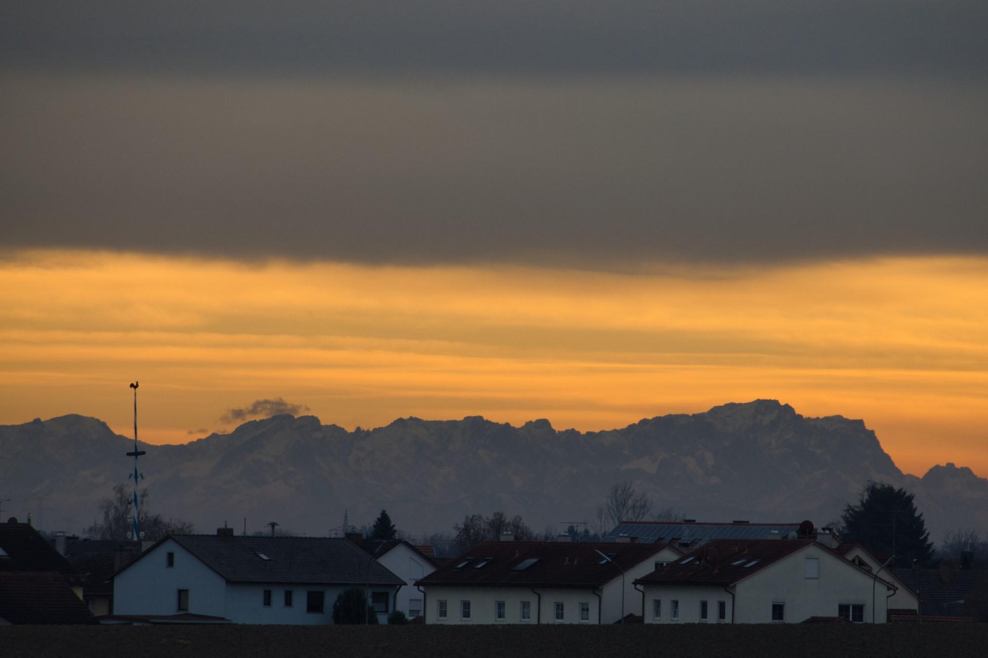 Ampermoching und die Alpen bei Föhn